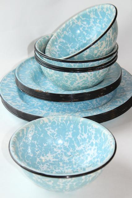 Vintage Blue Swirl Enamelware Plates And Bowls Country Primitive Rustic Camp Cabin Dishes