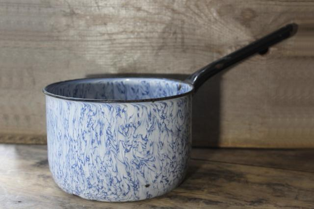 vintage blue swirl graniteware enamel big cooking pot w/ handle for ranch style camp stove