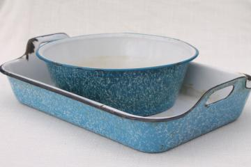 vintage blue & white enamelware bowl and tray handled roasting pan, marbled spatterware enamel