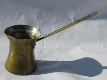 vintage brass pourer, long handled ladle sauce pitcher for flaming plum puddings