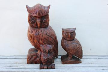 vintage carved wood owls, great horned owl family rustic fall halloween decor