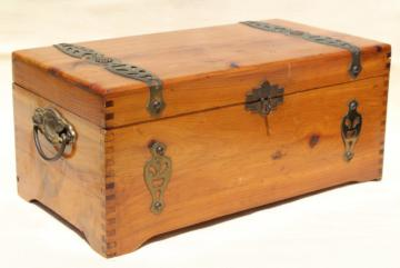 vintage cedar chest keepsake box, cedarwood box for gloves or handknit wool socks