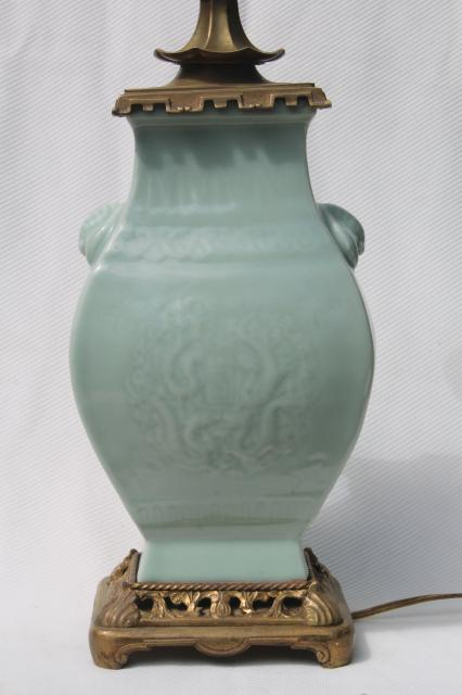 Vintage Celadon Green Glaze Oriental Pottery Table Lamp W Brass Base Amp Fu Dog Finial