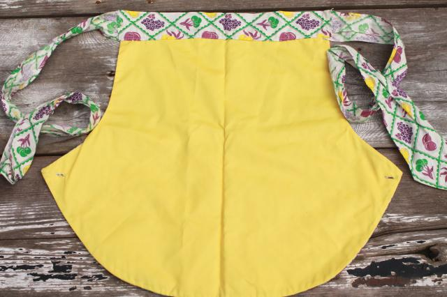 vintage clothespin aprons, waist tie apron w/ pocket for wash day, garden, kitchen chores