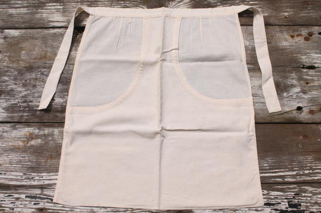 vintage clothespin holder aprons, clothes pin bags to wear or hang in the laundry room