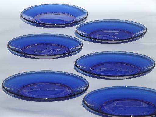Fantastic vintage cobalt blue glass plates, salad plates or dessert plates set NN66