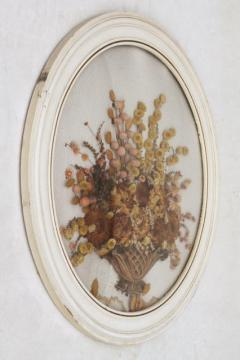 vintage convex bubble glass round wood picture frame w/ dried flowers bouquet