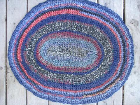 vintage cotton crochet rag rug, primitive kitchen or door mat throw rug