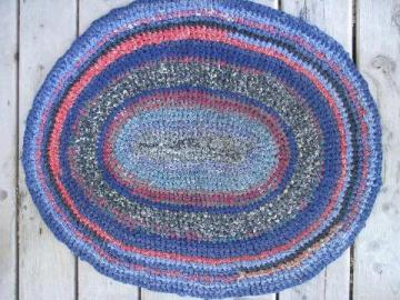 vintage cotton crochet rag rug, primitive kitchen or door mat throw rug