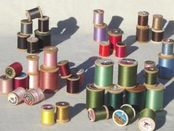 vintage cotton sewing thread lot, a rainbow of threads on old wood spools