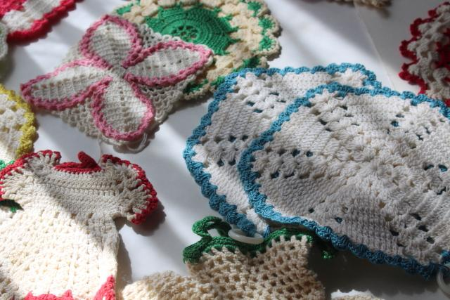 vintage cotton thread crochet potholders, huge lot 60+ kitchen pot holders & hot mats