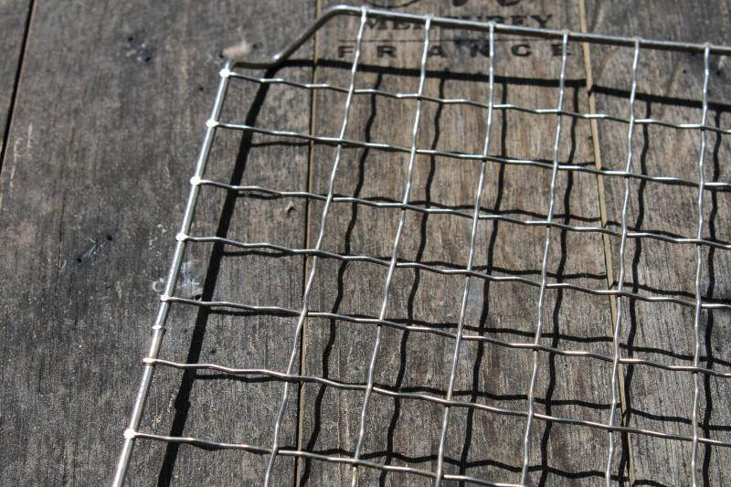 vintage crimped wire cooling rack baker's photo prop, french country kitchen style