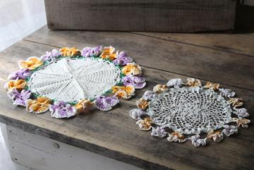 vintage crochet doilies w/ pansy border, colored cotton thread crocheted flower edging