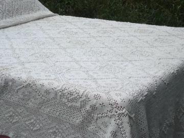 vintage crochet lace cotton bedspread coverlet, hearts w/ popcorn bobbles