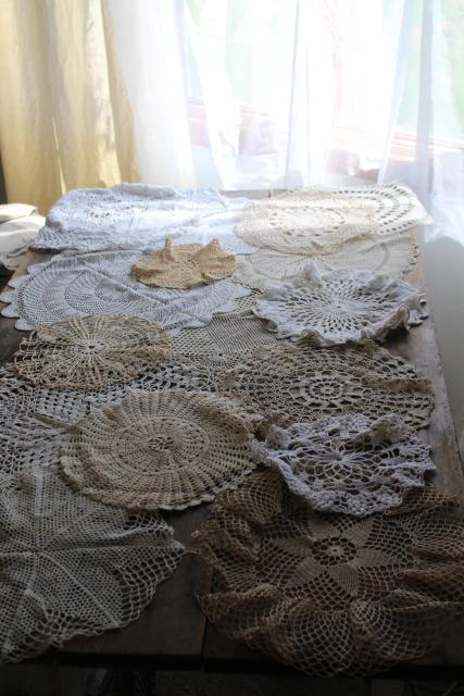 vintage crochet lace doily lot, 16 lace doilies & centerpieces, table covers