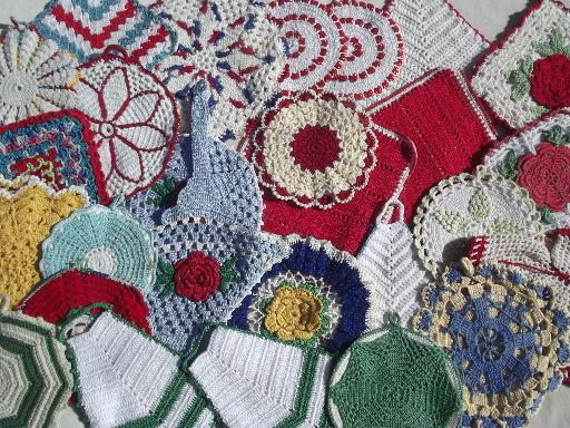 vintage crochet potholders, lot of 30 kitchen pot holders, hot mats, trivets