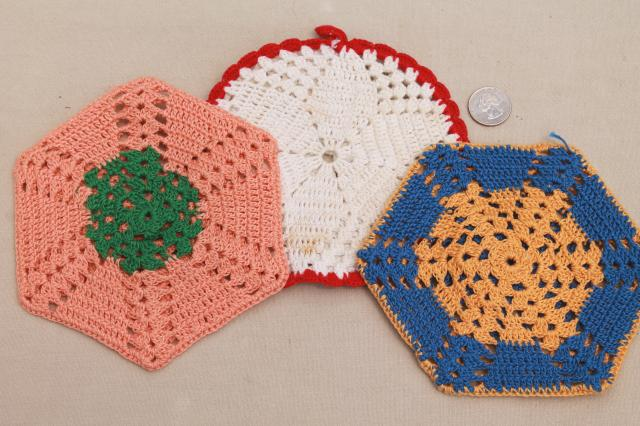 vintage crochet potholders, lot of kitchen pot holders, hot mats, trivets