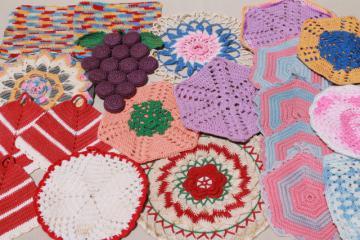 vintage crochet potholders, lot of kitchen pot holders, hot mats, trivets