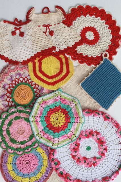 vintage crochet potholders lot of kitchen pot holders hot mats trivets