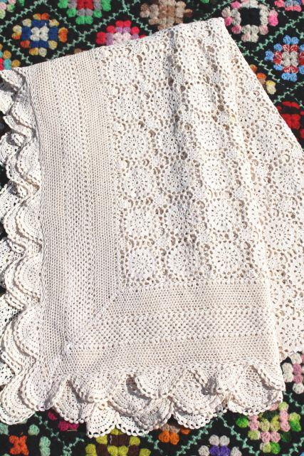 Vintage Crocheted Cotton Lace Bedspread Crochet Flower