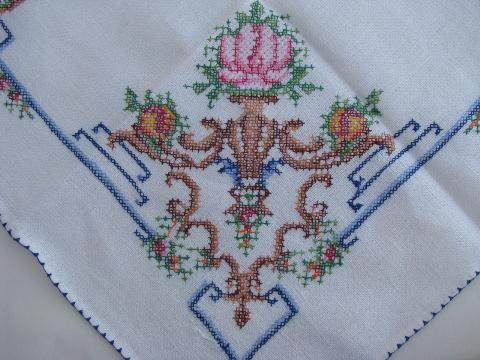 Vintage Cross Stitch Embroidered Tablecloth U0026 Napkins, Urns Of Flowers