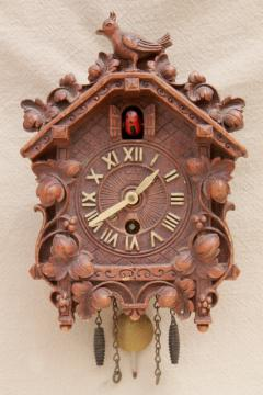 vintage cuckoo clock Lux / Waterbury wind-up clock black forest fairy tale cottage