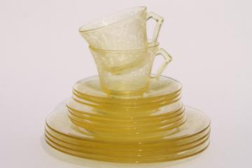 vintage depression glass yellow Hazel Atlas Florentine #2 poppy plates, cups & saucers