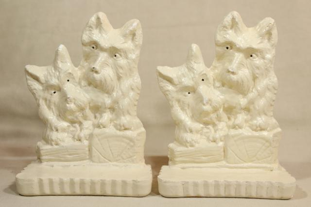 vintage dog collectibles, Scotty dog terriers chalkware bookends pair Scotties