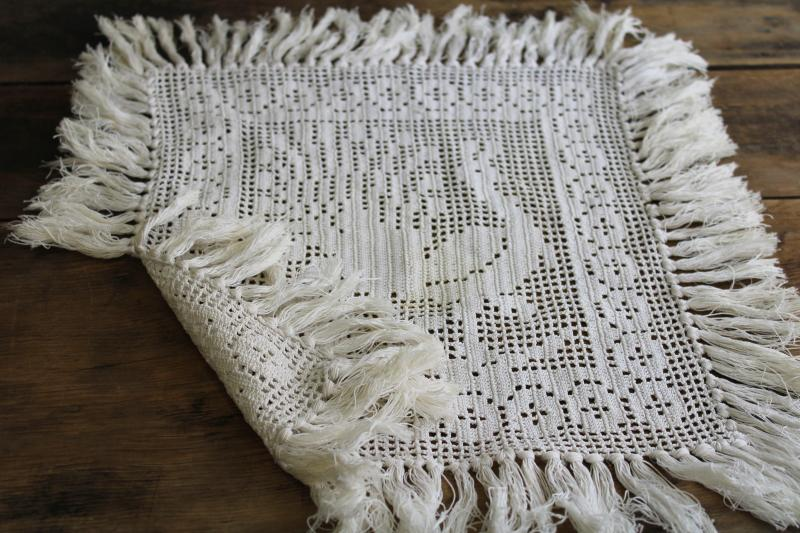 Vintage Doily Or Table Mat Fringed Peacock Picture Filet