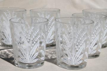 vintage drinking glasses set, lily of the valley flowered print glass tumblers