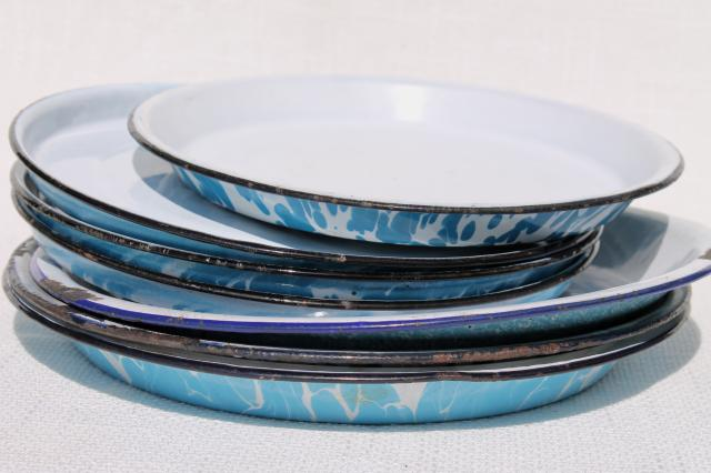 Vintage Enamelware Camp Plates Pie Pans Blue White Spatter Ware And Swirl Enamel