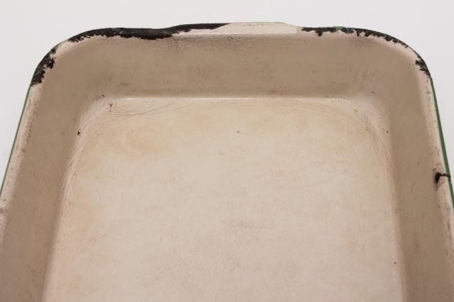 vintage enamelware roasting pan or baking dish, Cream City jadite green & tan