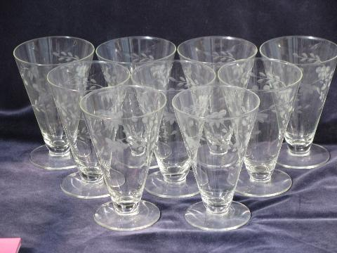 Lovely vintage etched glass footed glasses, for parfait or ice cream LR51