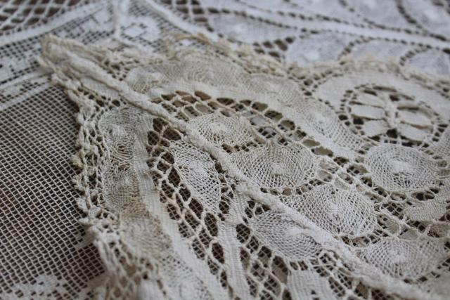 vintage figural lace runner w/ cherubs & nudes, Italian buratto net lace w/ wide edging