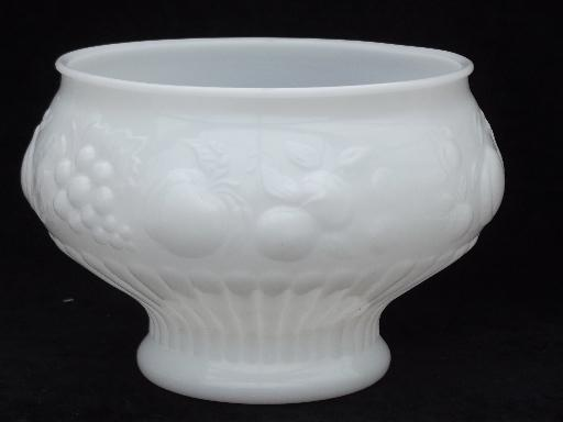 vintage fruit milk glass punch bowl and cups set, Jeannette della robbia