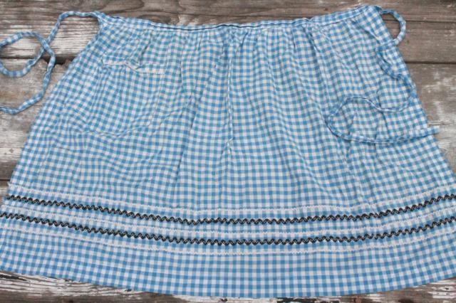vintage gingham checked aprons, kitchen / garden chore apron lot, cute colors!