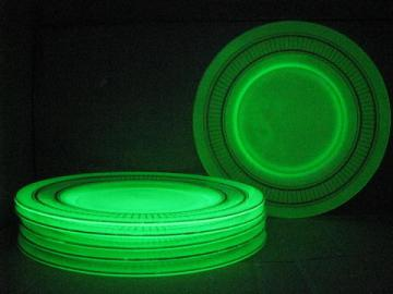 vintage gold trimmed green satin depression glass plates, vaseline glow