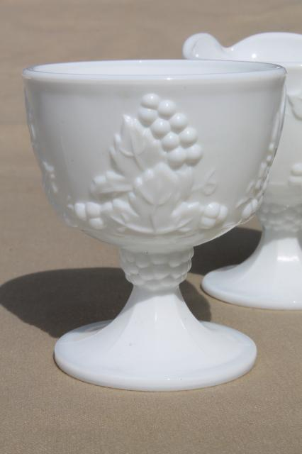 vintage grapes pattern milk glass cream & sugar set, Indiana harvest grape