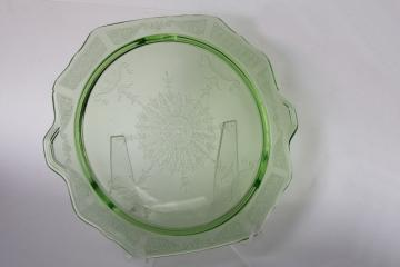 vintage green depression glass plateau tray or low cake stand, Princess pattern Anchor Hocking
