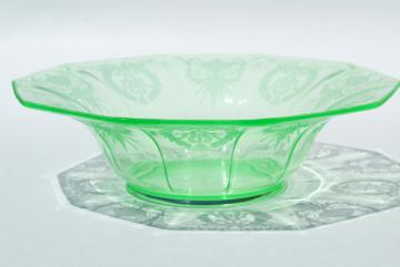 vintage green depression uranium vaseline glass centerpiece bowl, Cambridge etch pattern