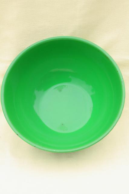 vintage green enamel bowl, large mixing bowl 1950s enamelware kitchenware