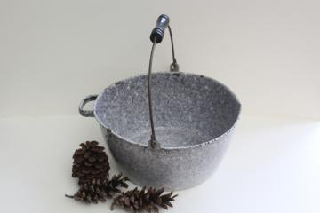 vintage grey spatterware enamel graniteware pot w/ bail handle, campfire soup kettle