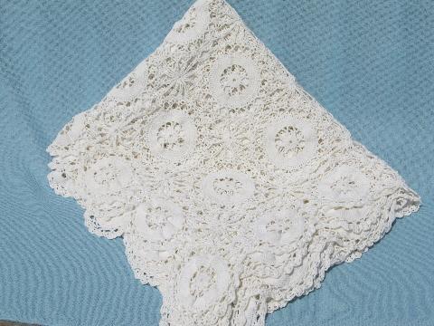 Vintage 1935 Wedding Ring Crochet Bedspread
