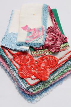vintage handkerchiefs lot, lace edged hankies trimmed w/ cotton thread crochet lace