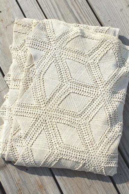 Vintage Handmade Crochet Bedspread Tumbling Blocks Ivory White Lace