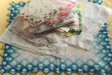 vintage hankies lot, 30+ handkerchiefs w/ spring flowers, embroidery, lace edgings