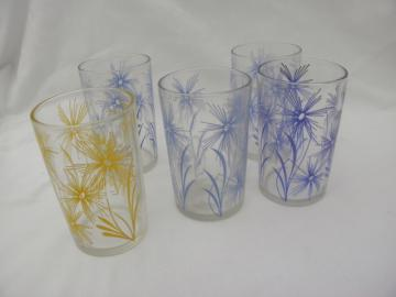 vintage kitchen glass, flowered juice glasses, 1950s vintage swanky swig tumblers