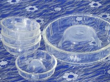 vintage kitchen glass ring molds for jello or baking, Glasbake Queen Anne