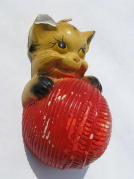 vintage kitchen string holder, chalkware wall plaque of kitten & ball of yarn