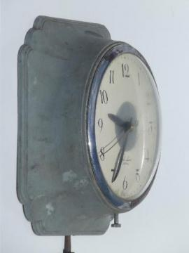 vintage kitchen wall clock, all metal Ingraham model MK-440 for parts